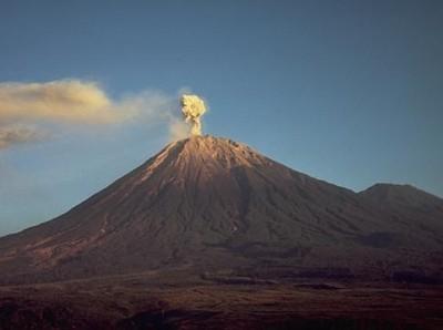 Keindahan Gunung Semeru Sebelum Meletus