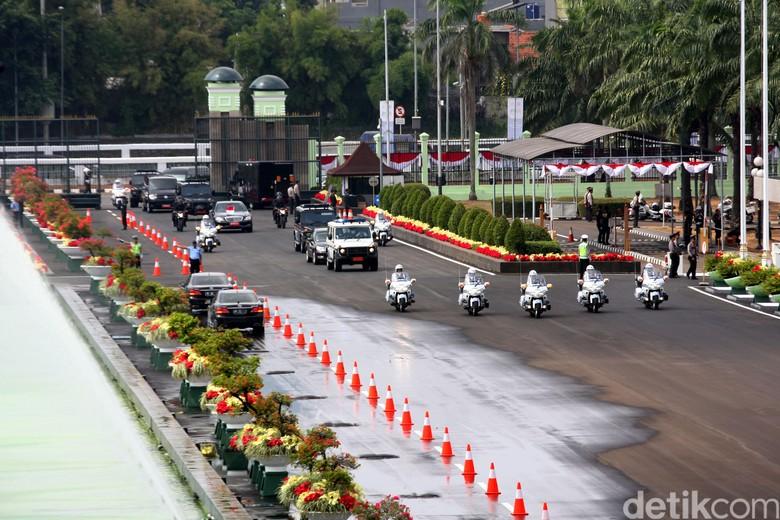 Iring-iringan Presiden. Foto: Lamhot Aritonang