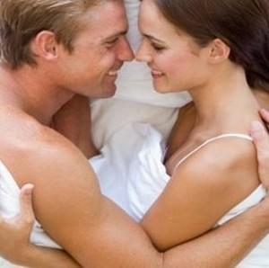 Wanita Perlu Tahu, Ini yang Didambakan Pria saat Bercinta