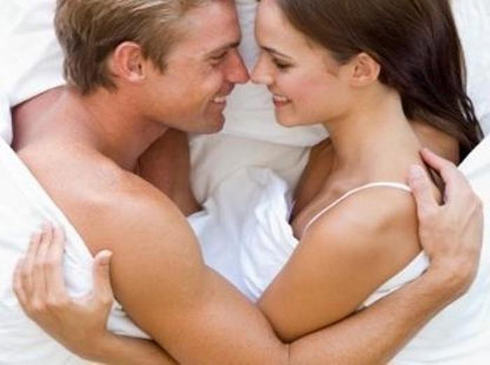 Demi kesehatan rahim, jangan berhubungan seksual saat wanita sedang haid. Foto: thinkstock