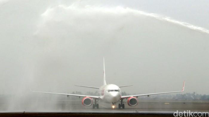 Tiket Pesawat Aceh Surabaya Masih Dijual Rp 2 5 Juta