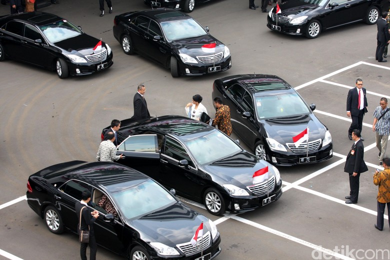 Mobil menteri era Kabinet Kerja. Foto: Lamhot Aritonang