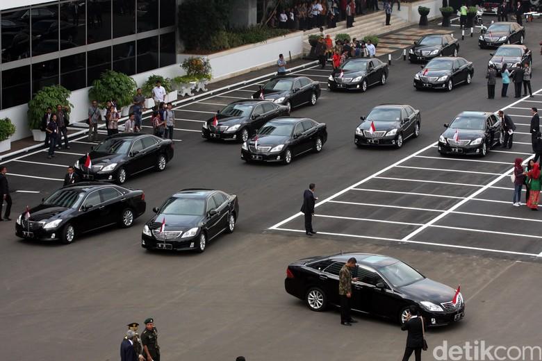 Ilustrasi mobil Menteri Kabinet Kerja Foto: Lamhot Aritonang