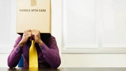 Sering Takut Kelihatan Bego dan Gagal? Mungkin Gejala Impostor Syndrome