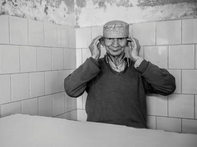 Sedih dan Haru, Foto-foto Keseharian Pasien di Rumah Sakit Jiwa Lahore