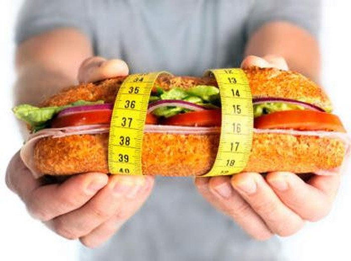 Cara diet defisit kalori. Foto: thinkstock