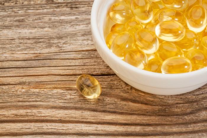 Sebuah penelitian mengatakan wanita yang mengonsumsi minyak ikan dan vitamin B12 lebih ringan rasa sakitnya ketika PMS (premenstrual syndrome) dibanding dengan wanita yang tidak mengonsumsi keduanya. Foto: thinkstock