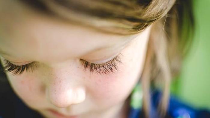 Bulu mata yang ternyata berbahaya jika dikeriting dengan bahan kimia yang belum terbukti keamanannya. Foto: Getty Images