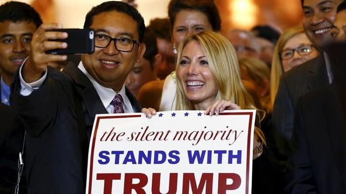 Fadli Zon saat bertemu Trump pada September 2015 (Foto: Lucas Jackson/Reuters)