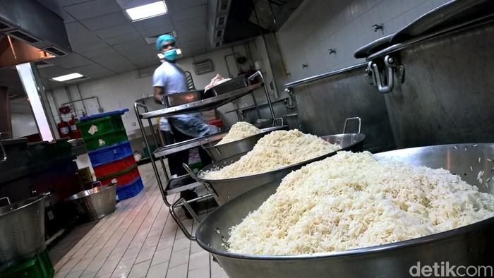 Persiapan perusahaan katering Makkah