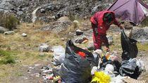Video Sampah Berserakan di Gunung Carstensz