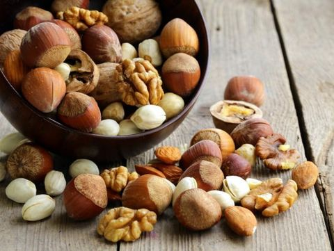 Mix nuts (almonds, hazelnuts, walnuts)
