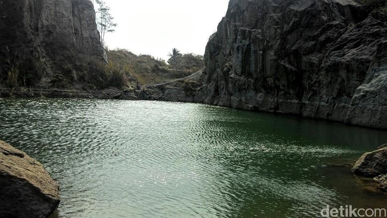Ini Penampakan Danau Bacan Sebelum dan Sesudah Terisi Air