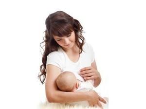 Katanya Bayi Laki-laki Menyusunya Lebih Kuat, Apa Benar Begitu?