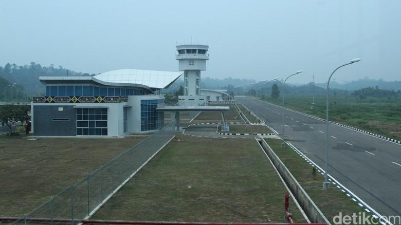 Begini Kerennya Bandara Kalimarau yang Dipuji Menhub Jonan