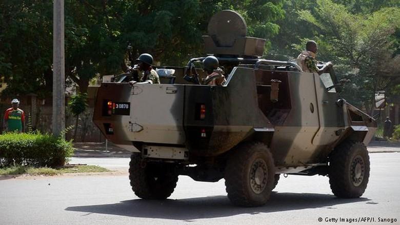 Presiden Ditahan, Militer Burkina Faso Umumkan Pembubaran Pemerintah