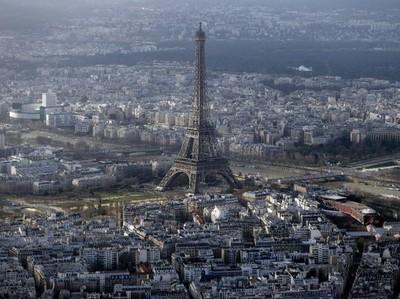 Yang Mesti Turis Tahu Sebelum Liburan Akhir Tahun di Prancis