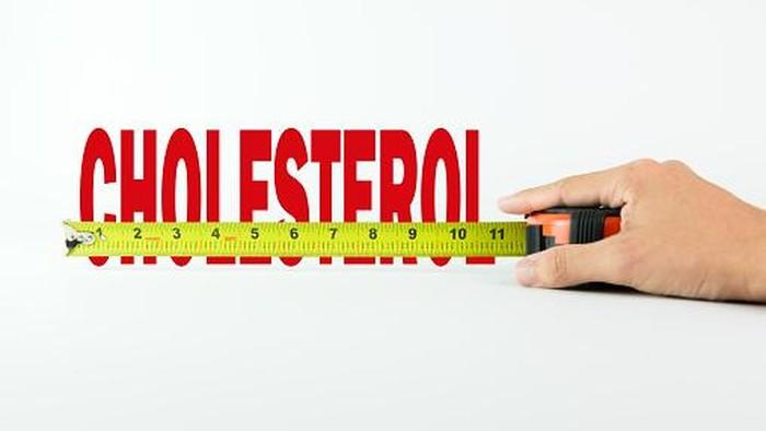 Mengukur atau mengecek kolesterol