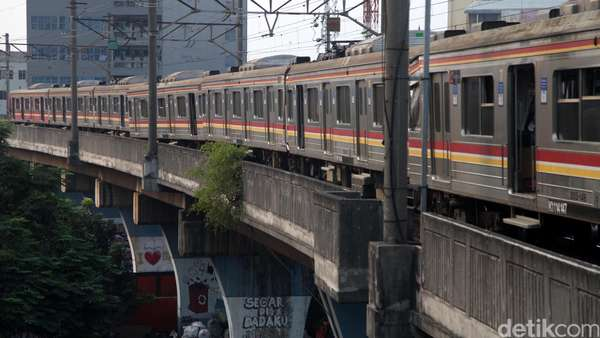 Pasca Aksi 2 Desember, Penumpang KRL di Stasiun Juanda Meningkat 4 Kali Lipat