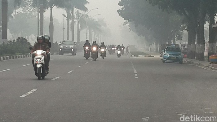 Kabut asap di Pekanbaru/Foto: Chaidir Anwar Tanjung