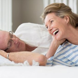 Kisah Cinta Pria Ceraikan Istri dan Nikahi Ibu Mertua, Tak Dihadiri Keluarga