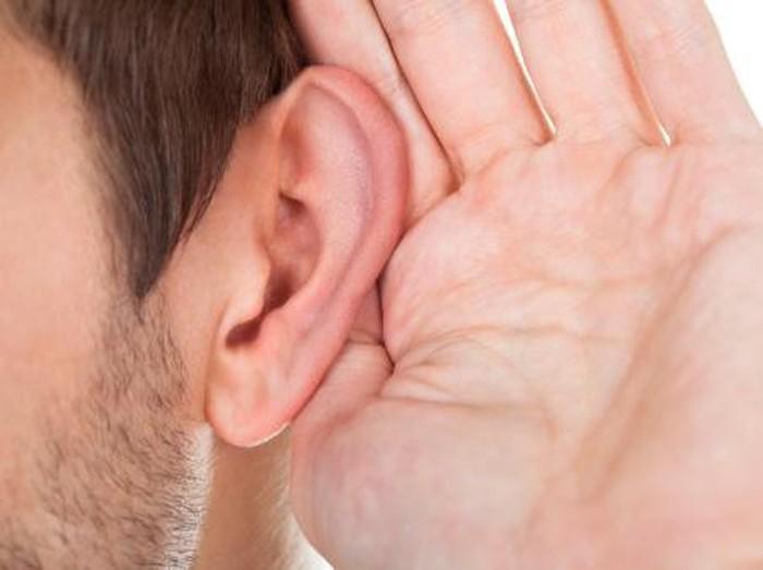 Perhatikan hal ini agar telinga tidak mengalami penurunan pendengaran atau budek/Foto: thinkstock