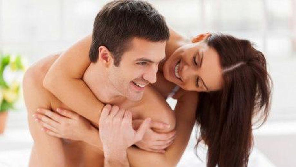Dear Wanita, Ini Zona Sensitif yang Bisa Buat Pria Keenakan (2)