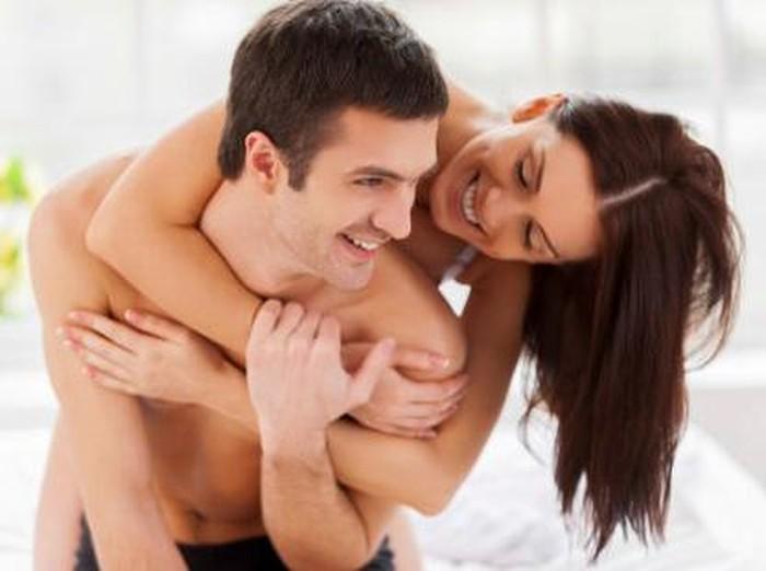 Ada cara untuk membujuk pasangan agar mau foreplay lebih lama. Foto: thinkstock