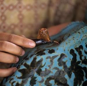 Hari Batik Nasional, Ini 4 Tips Jitu Rawat Batik Agar Awet Menurut Ahli