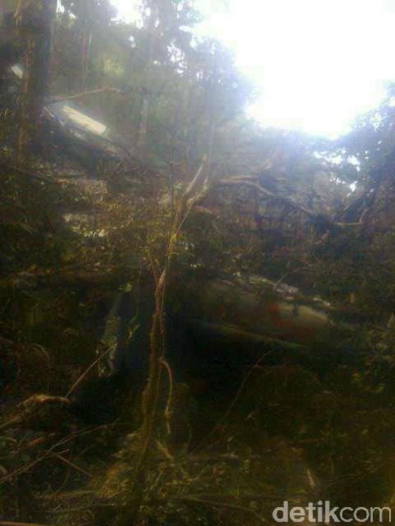 Ini Foto Pertama Puing Pesawat Aviastar di Pegunungan Latimojong