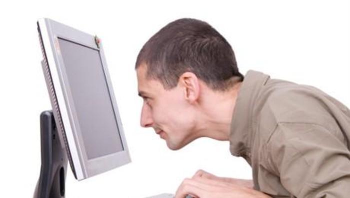 Ilustrasi pria kecanduan nonton film porno. Foto: thinkstock