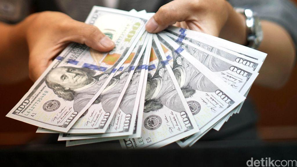 Untung Rugi Rupiah Keok Lawan Dolar AS Buat RI