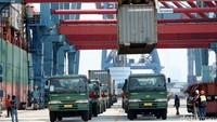 Hari Ini Tarif Pelabuhan Tanjung Priok Naik