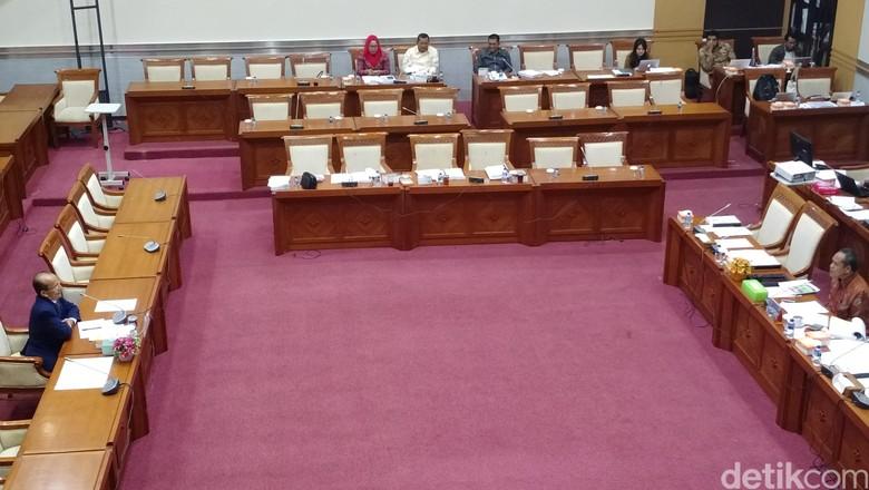 Banyak Kursi Kosong di Rapat, Pimpinan Komisi III: Anggota Banyak Agenda