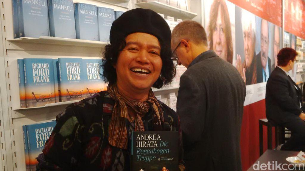 Andrea Hirata di Frankfurt, 2 Meter Dari Pemenang Nobel Sastra