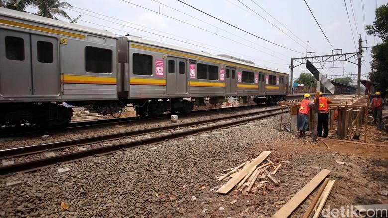 KRL Alami Gangguan Pantograph di Stasiun Rawa Buntu Serpong
