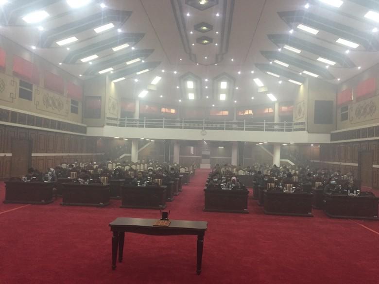 Rapat Diganggu Asap, Pj Gubernur Kalteng: Parah, Perlu Bantuan Pusat!