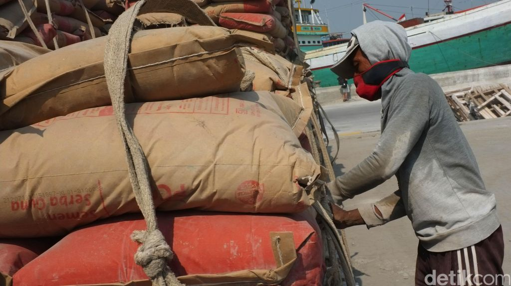 Holcim Akuisisi Lafarge Cement Rp 2,1 Triliun