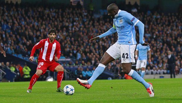 Yaya Toure dikabarkan bersedia gabung Manchester United.