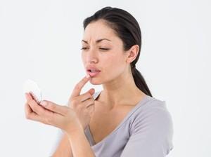 Rekomendasi 5 Lip Serum untuk Mencerahkan Bibir yang Menggelap