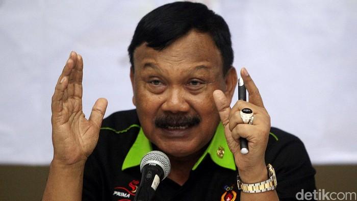 Wakil Ketua KONI Suwarno memberikan keterangan pers saat menghadiri acara saresehan bertajuk
