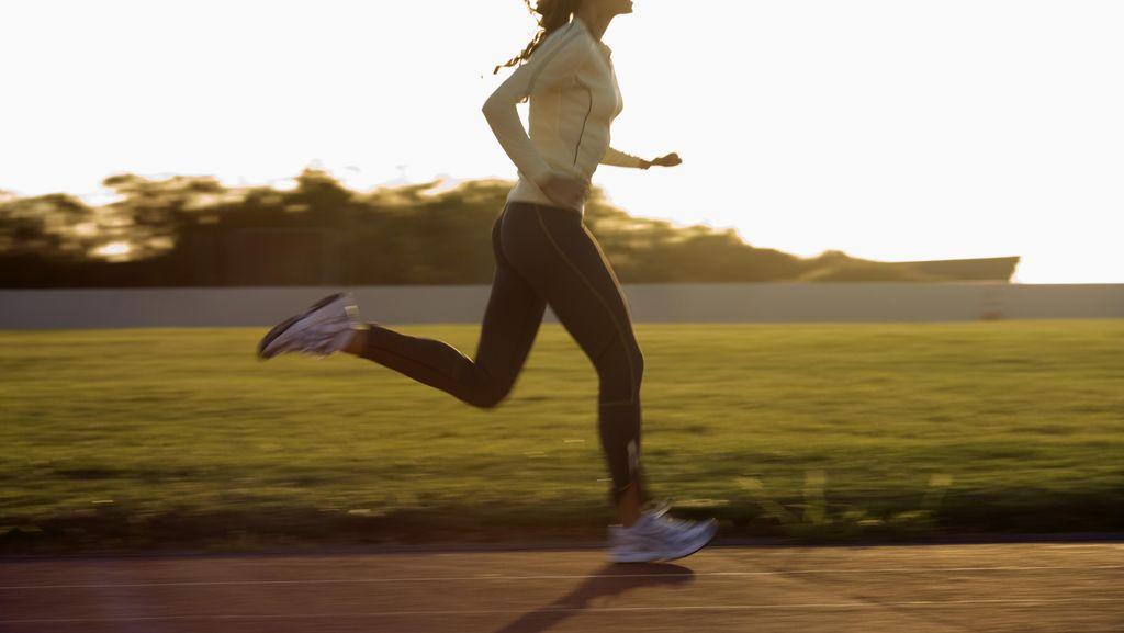 Sering Lari Mengejar Bus atau KRL Ternyata Bagus Buat Kesehatan Lho