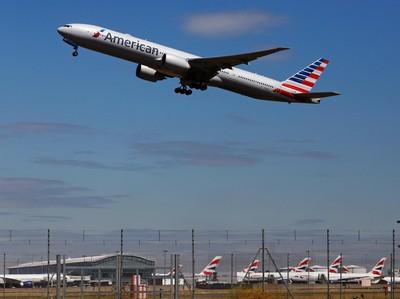 Ada Percikan Api, Pesawat Ini Putar Balik ke Bandara
