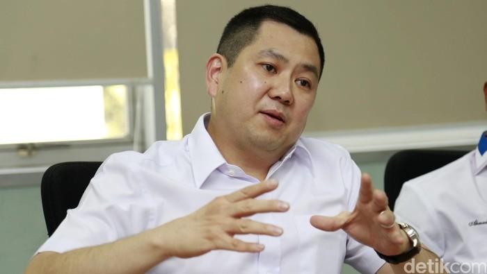 Hary Tanoesoedibjo atau Hary Tanoe adalah seorang pengusaha dan tokoh politik asal Indonesia. Hary adalah pemilik dari MNC Group. Di bidang politik, dia merupakan pendiri dan Ketua Umum Partai Persatuan Indonesia (Partai Perindo). Reno/detikcom.