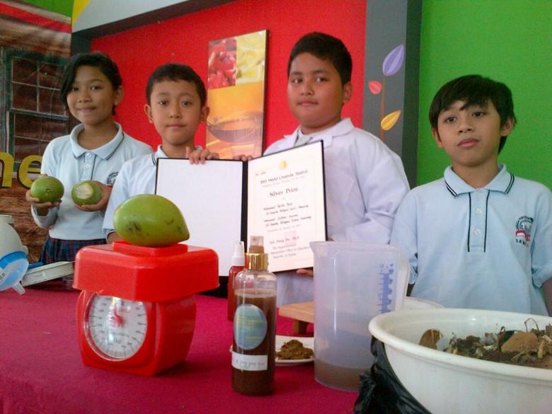 Sulap Buah Bintaro Jadi Anti-Rayap Alami, 2 Siswa SD Semarang Juara di Korea