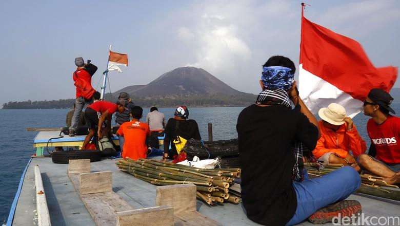 Ilustrasi Anak Gunung Krakatau (Reno/detikTravel)