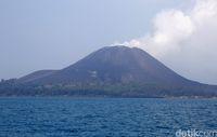 Mulai tahun 1927 muncul Gunung Anak Krakatau