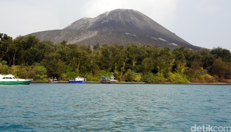 Gunung Anak Krakatau Erupsi Lagi, Status Waspada