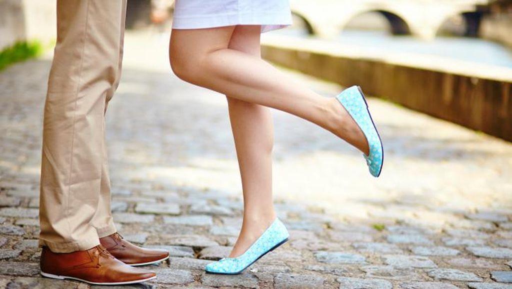 5 Manfaat Berciuman yang Mungkin Tak Kamu Sadari Selama Ini