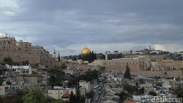 Masjid Al Aqsa dari Bukit sion